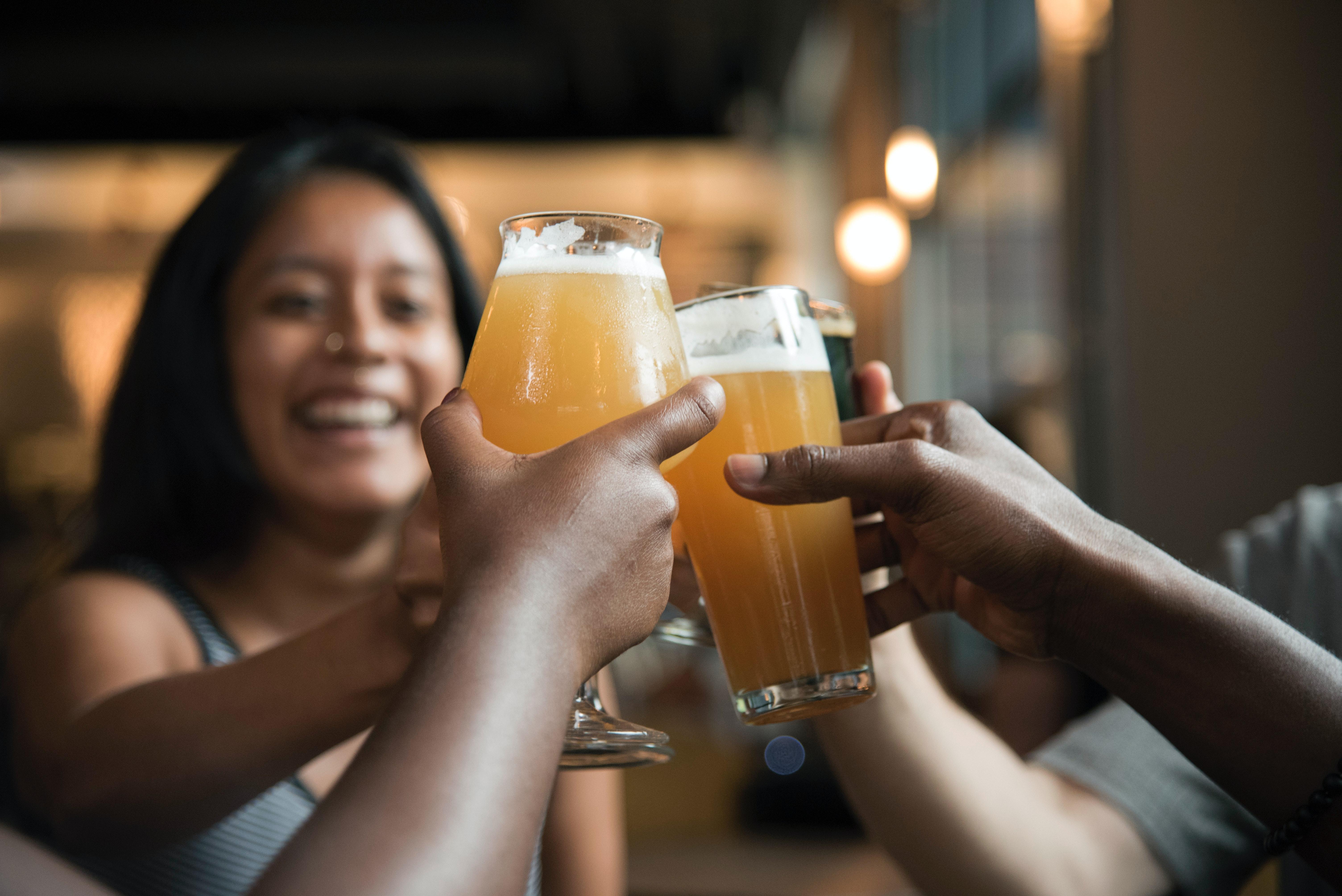 alcoholic-beverage-bar-beer-beverage-1269025